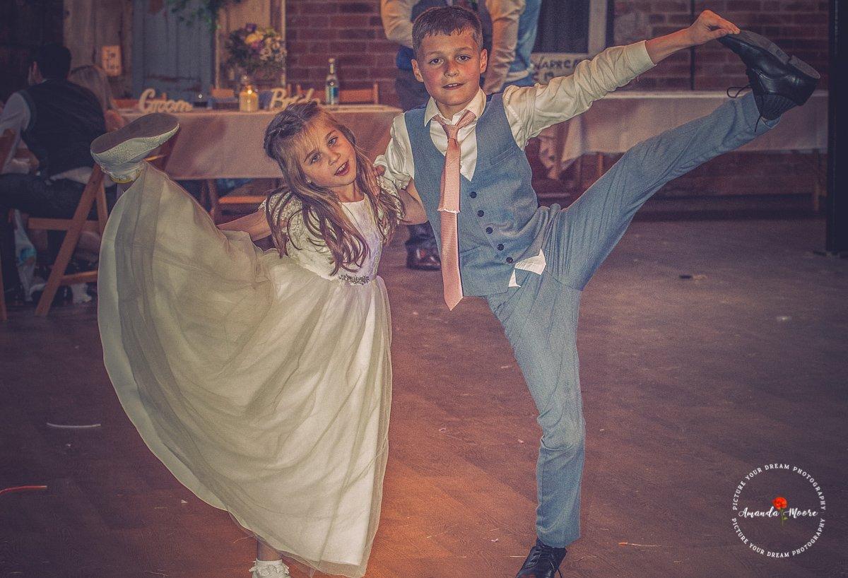 kids at deighton lodge wedding